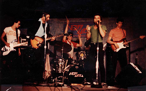 New Math at the Orange Monkey 1978. Robert Slide - bass, Gary Trainer, guitar, Paul Dodd - drums, Kevin Patrick - vocals, Dale Mincey - lead guitar.